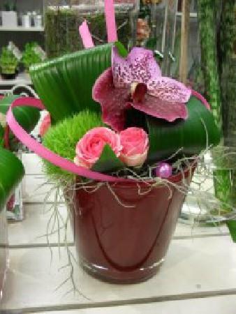 composition d&eacute;corative( divers couleurs ,formes et<br />  fleurs pour petit budget)<br /> A partir de 30.-