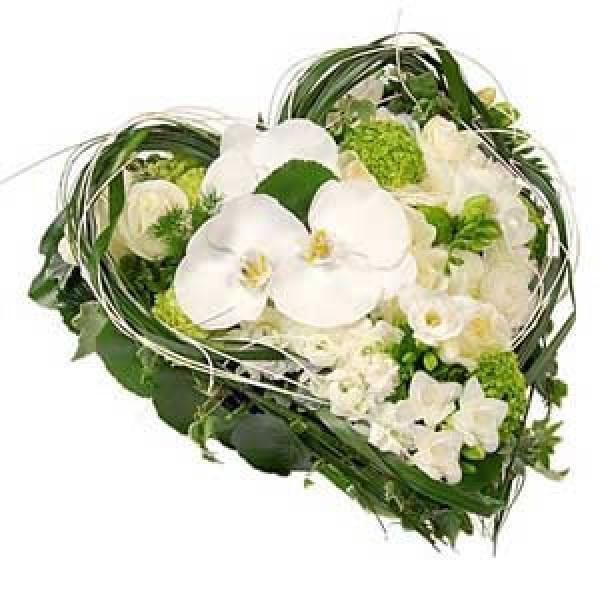 coeur  deuil ( diverses fleurs) que de roses 300.-<br /> <br /> A partir de 200.-<br />       +<br />  Ruban 50.-