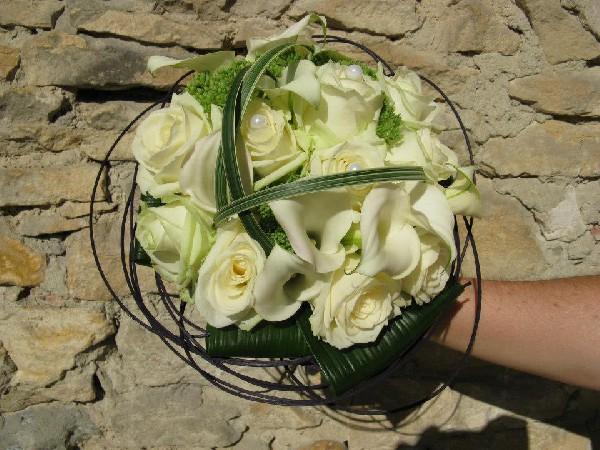 bouquet de la mari&eacute;e rond<br /> <br /> A  partir de 80.-